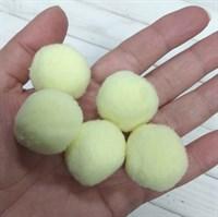 Помпоны синтетические, диаметр 3 см, цвет светло-желтый, 5 шт.